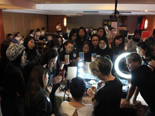 Tips untuk kembangkan bisnis kecantikan kamu dengan HelloBeauty